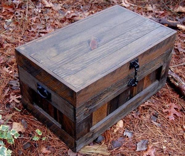 handmade wooden pallet vintage inspired chest and toy box