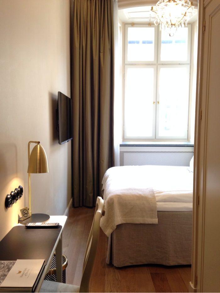 Hotel Kungsträdgården in Stockholm | #gustavian, #scandinavian #bedroom #yellow #nature #swedish #brass #toneontone. Styling Garbo Interior. Photo: Ann-Charlotte Jönsson | stiligahem.se