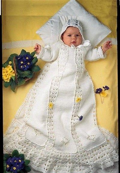 Heklet dåpskjole til LEIE Bomull hvite sløyfebånd INKL. LUE OG SLØYFEBÅND Håndheklet Dåpskjole i hvitt bomulls garn. Utrolig vakker Heklet dåpskjole unikthåndarbeid. Søt liten...