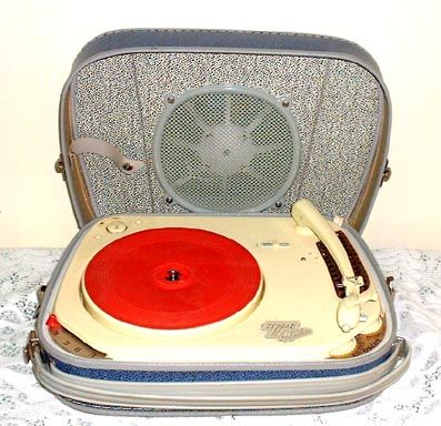 25 best les tourne disques images on pinterest discus friday and portable record player. Black Bedroom Furniture Sets. Home Design Ideas