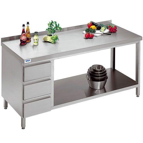 Achat en ligne de meubles de travail de qualité professionnelle VEGA pour la cuisine de votre restaurant. Livraison 24/48h et gratuite dès 399€ HT d'achat !