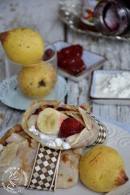 kuchnia w czekoladzie: Naleśniki kokosowe z serkiem i owocami