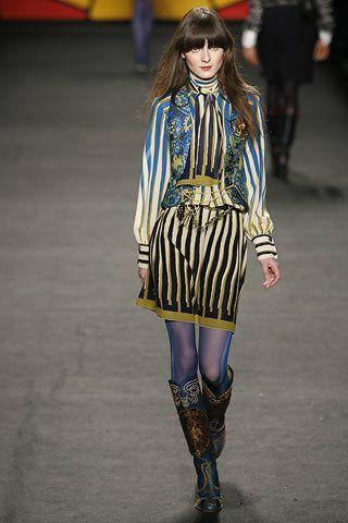Anna Sui Fall 2006 Ready-to-Wear Fashion Show - Irina Lazareanu