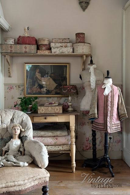 Vintage Interior-Nina
