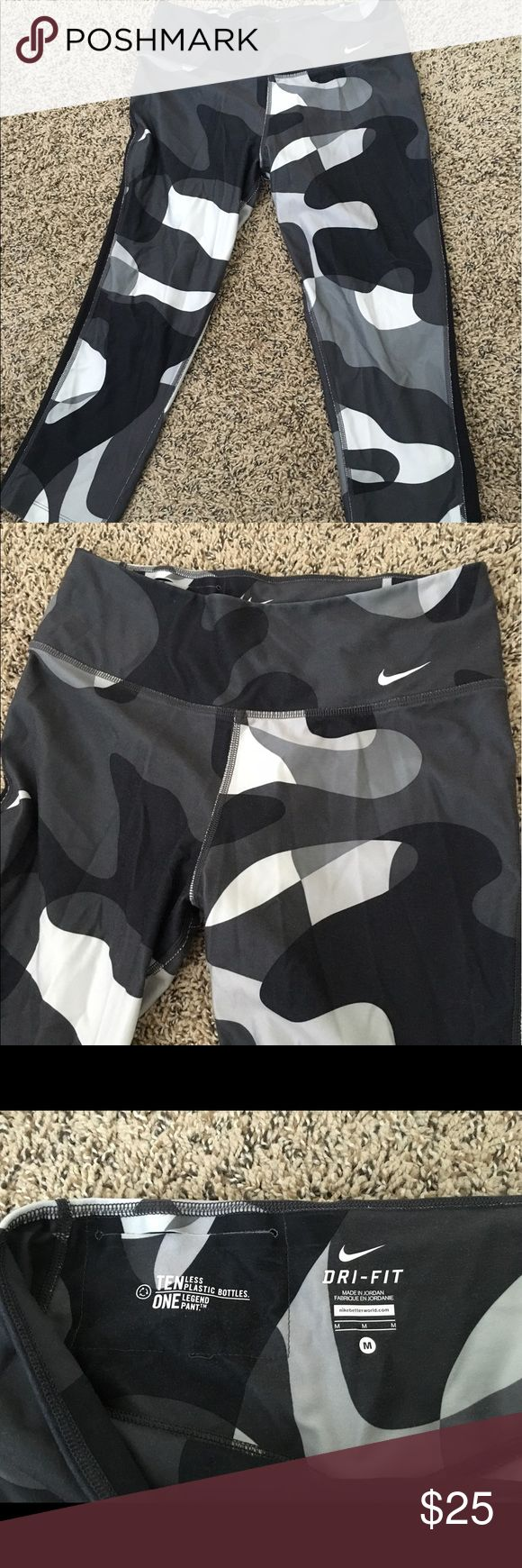 Nike Dri-Fit Camo Spandex - Like NEW! Crop Dri-Fit Spandex - super comfortable material and cool camo design Nike Pants Ankle & Cropped