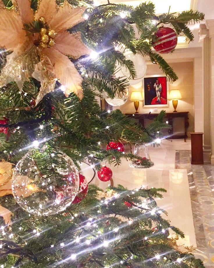 Sparkling #Christmas mood  #clickatluxuy #spgdfmexperiences #katerinastraveldiary #kinggeorgeathens #chritmastree #thinkathens #thisisathens