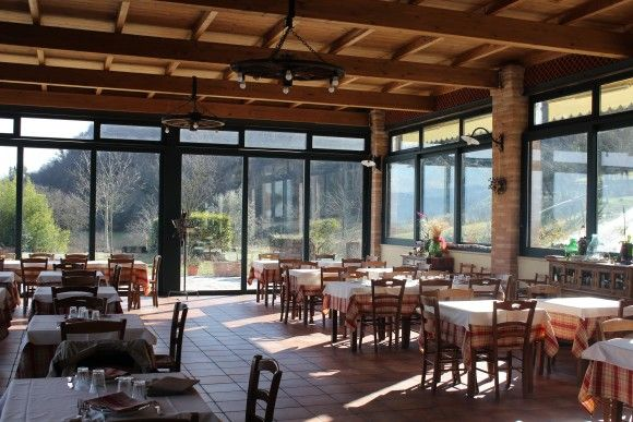 Le Fontanelle dining area