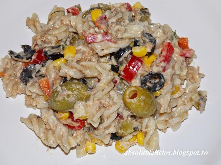 Absolut Delicios - Retete culinare: SALATA DE PASTE CU TON SI TZATIKI