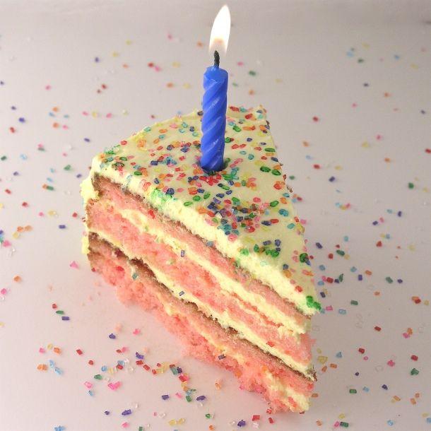 Strawberry lemonade cakeWedding Cake Recipe, Lemonade Birthday, Strawberries Lemonade, Birthday Cake Recipes, Lemonade Cake, Sprinkles Cake, Strawberry Lemonade, Birthday Recipe, Birthday Cakes