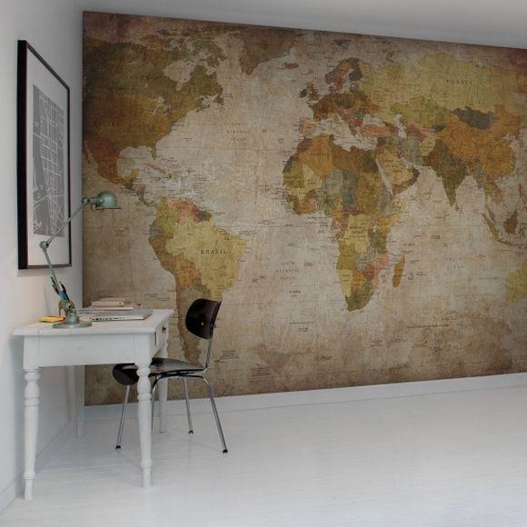 Au fil des Couleurs vous fait découvrir le poster XXL Rebel Walls d'une carte du monde aux couleurs vieillies.