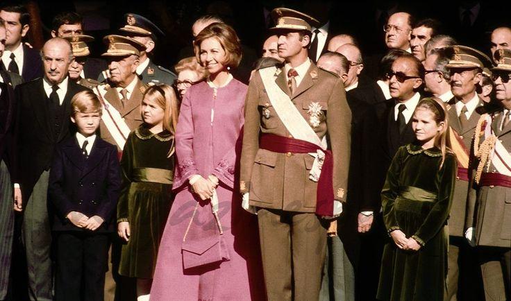 La reina Sofía cumple 79 años… Los mejores momentos    Proclamación de D. Juan Carlos como Rey de España - Madrid, 22.11.1975 - © Casa S.M.El Rey