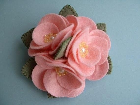 Moldes y diseños de flores en fieltro