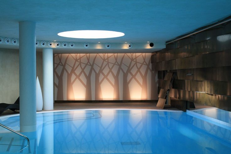 Spa ceiling and walls made from Vecta Design stretch ceilings