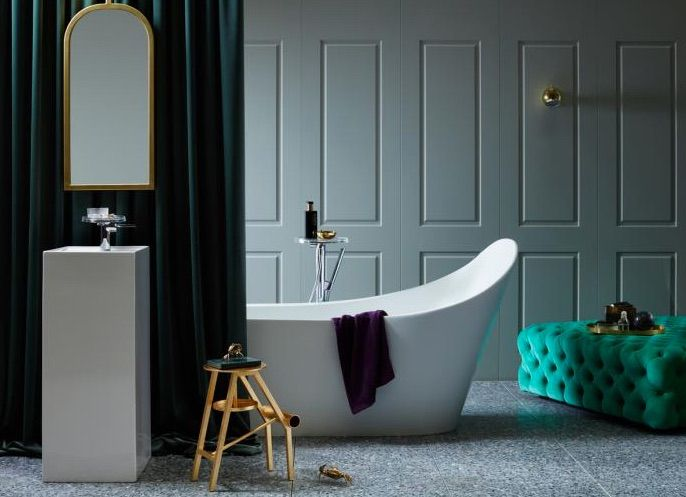 Nothing injects an element of designer flair into the bathroom quite like a freestanding bath