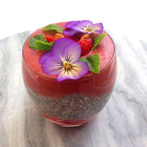 Coconut Chia Acai & Strawberry Layered  Mein Blog: Alles rund um die Themen Genuss & Geschmack  Kochen Backen Braten Vorspeisen Hauptgerichte und Desserts