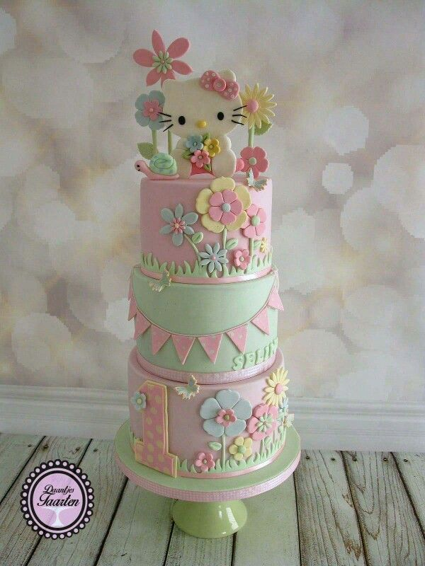OMG this Hello Kitty pastel birthday cake creation is just beautiful! #TeamGemma absolutely love Hello Kitty! #hellokitty We are official UK licensees of Hello Kitty Cards and Wrap www.gemma-international.co.uk