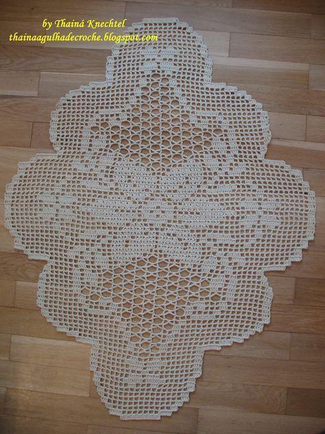 Thainá Agulha de Crochê: Caminho de mesa em crochê / Gehäkelter Tischläufer...