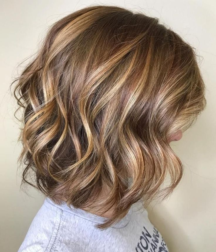 70 Devastatingly Cool Haircuts for Thin Hair #25: Chocolate and Caramel Wavy Lob When you want your flat hair to look thicker, consider using some ove...