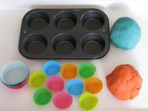An invitation to play....Play Dough Cupcakes