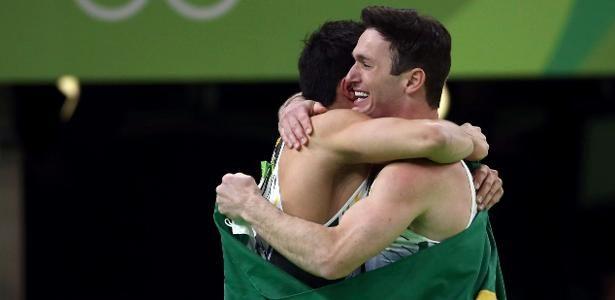 Arthur Nory e Diego Hypolito conquistam medalhas no solo