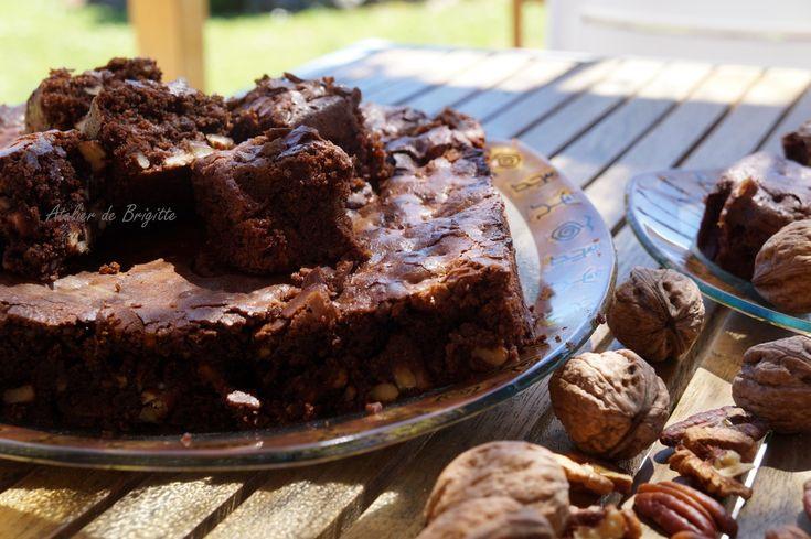 Qui dit Brownie, dit chocolat. Et moi, j'aime le chocolat. Gourmandises pour certains, réconfort pour d'autres. Pour moi c'est les 2.... Et quand la recette est signé par un grand Artisan boulanger-pâtissier, je succombe... N'oublions pas que dans le...