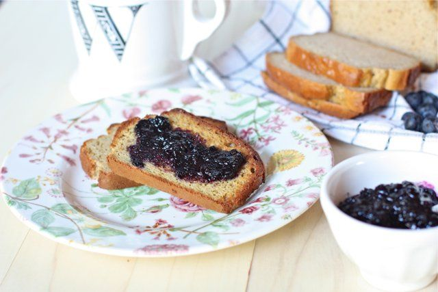 I've had quite a few people email asking what the lovely looking blue spread was on my recent grain-free white bread recipe, so I thought I'd share it with you! It's a very simple recipe for blueberry jam that doesn't use pectin or processed sugar. Just 4 ingredients!