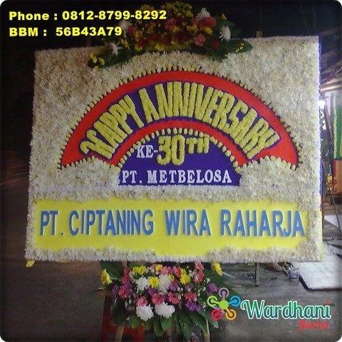 Bunga Papan Happy Anniversary AVS592WF