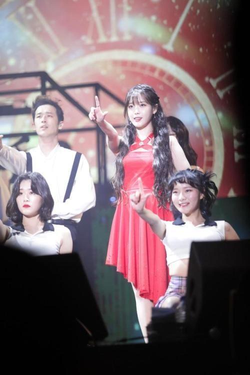 171111 IU Palette Concert in Gwangju cr: ㅇㅇ