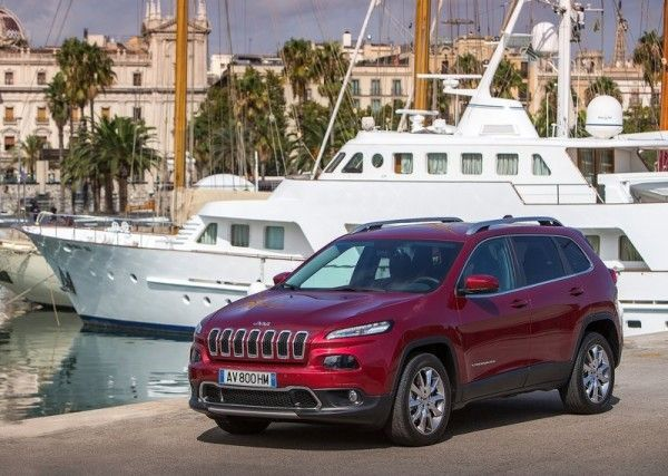 2014 Jeep Cherokee EU Version Side View 600x427 2014 Jeep Cherokee EU Version Full Review Details