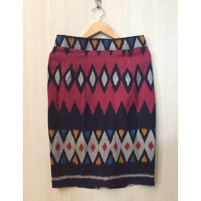 Temukan dan dapatkan Rok span tenun ikat/ pencil skirt tenun ikat hanya Rp. 145.000 di Shopee sekarang juga! https://shopee.co.id/imanggoethnic/146977213 #ShopeeID  SOLD OUT !