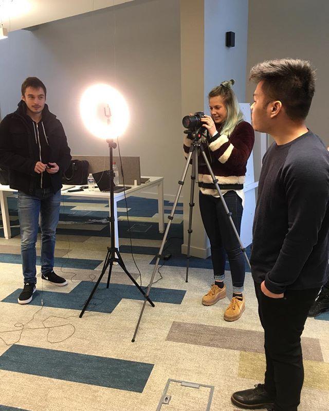 En plein tournage de pichts vidéos pour nos entrepreneurs avec les étudiants du Master Marketing Digital Skema Business School #Skema #Villagebyca #Entrepreneurs #tournage #video #pitchs #coopererpourinnover #sophiaantipolis #teamvillage