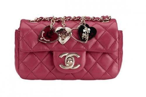 Chanel matelassé San Valentin color fresa