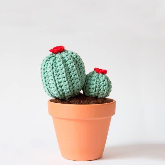 Ball häkeln Kaktus. Amigurumi
