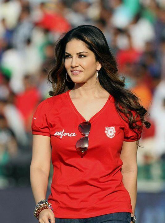 5 Celebrities Who Might Buy 2 New IPL Teams Next Season!