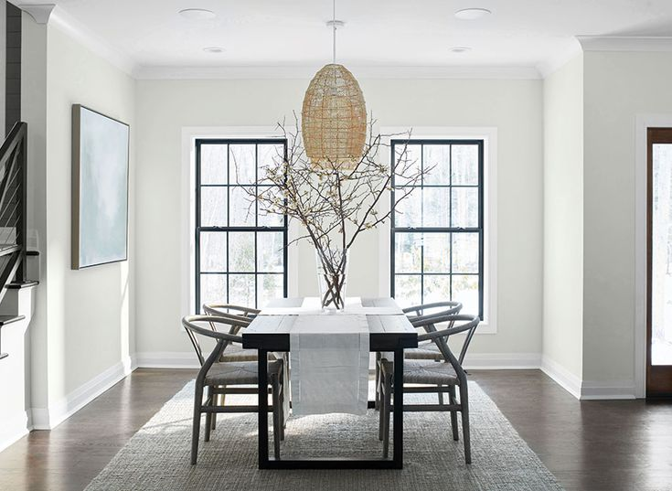 White & Off-White Paint Colour by Family | Benjamin Moore ...