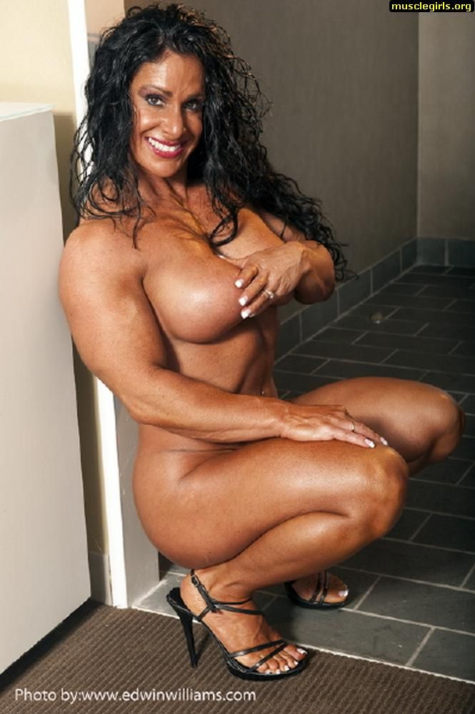 Nude black muscle women
