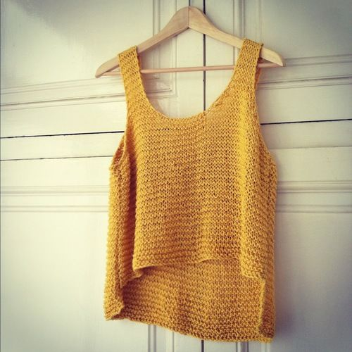 Wool and the gang - tala tank in garter + 18 rows longer in back