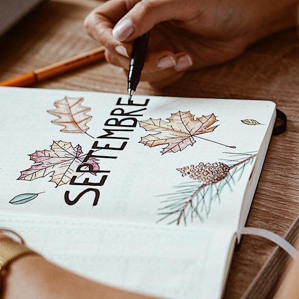 #HelloSeptember 🍁   Plein de nouvelles résolutions pour cette rentrée que j'espère tenir grâce à mon Bullet Journal 📓Notamment 2 articles par semaine : un le dimanche et un autre le mercredi. En attendant je file au sport pour essayer de tenir mon premier objectif 💪🏻 Passez une belle journée 🍂🐿 #september #septembre #rentree #backtoschool #bulletjournal #bujo #bujoideas #bujoinspiration #bulletjournalfr #bulletjournaling #blog #blogger #beautyblogger #blogueuse #blogueusebeaute…