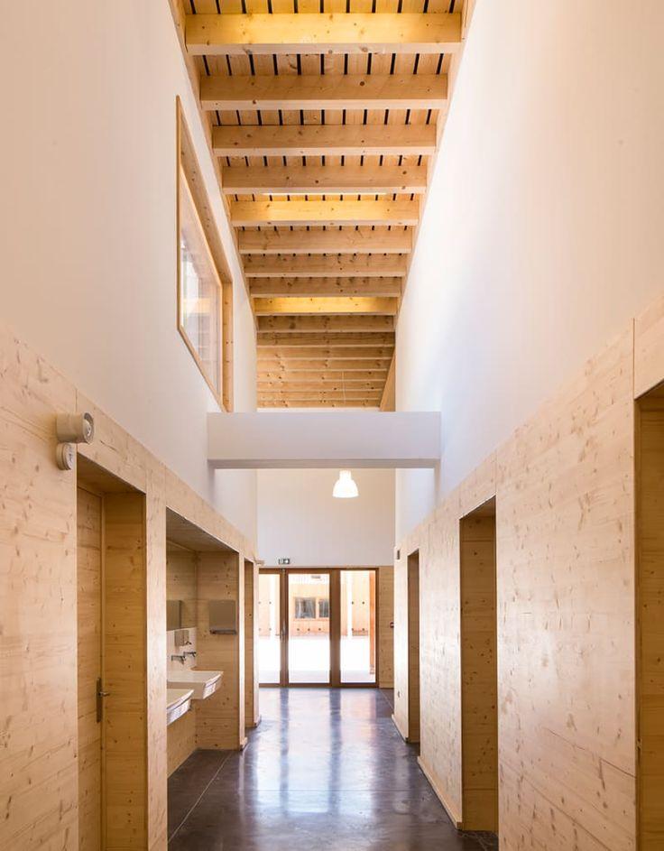 Bernard Quirot architecte + associés, Luc Boegly · École et Salle - maquette de maison a construire