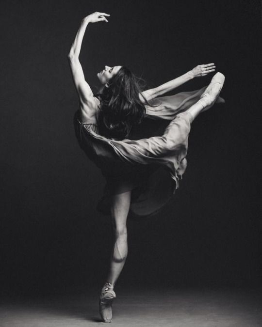 Karolina kuras kathryn hosier the national ballet of canada · dance magazinemotion photographyballet