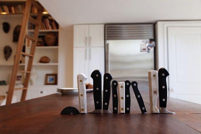 knife storage: Kitchens Knives, Butcher Blocks, Built In, Knife Storage, Cool Ideas, Knifeblock, Knifes Storage, Kitchens Storage, Knifes Blocks