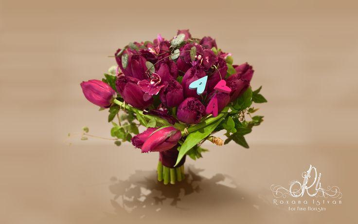 Bridal bouquet. Details via: http://roxanaistvan.florist, e-mail: designer@roxanaistvan or telephone +40745087756..