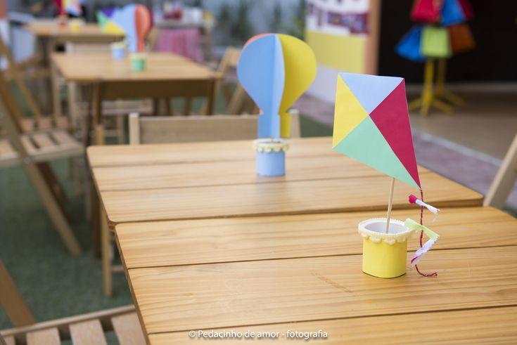 Mundo Bita. Decor by Ecoparty. Centros de mesa. Pipas. Balões. Copinhos de Iogurte. Reciclando.