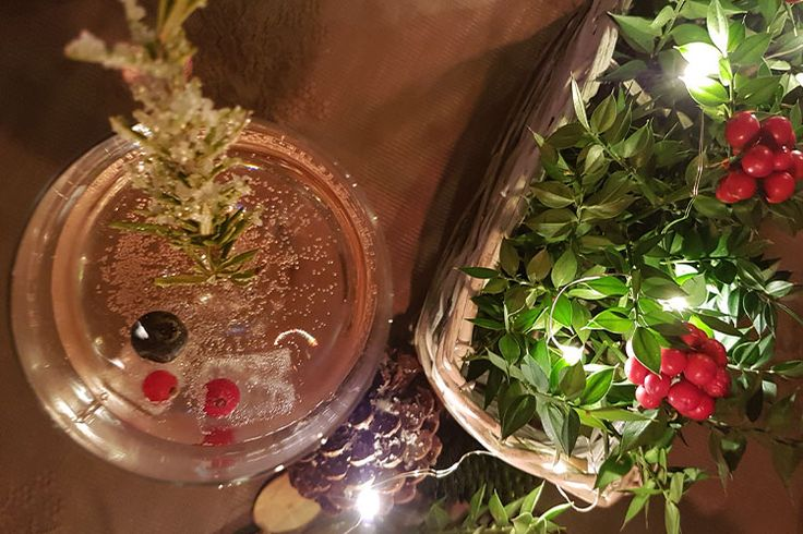 Yılbaşında Karlı Sangria! <3 #sangria #snowy #frosty #kar #kokina #pinotgrigio #lamberti #cranberry #blueberry #cherry #yabanmersini #vişne #kızılcık #recipe #tarif