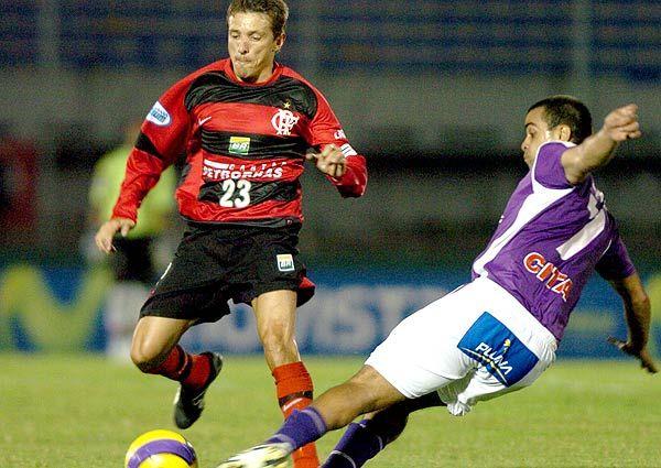 """Juninho Paulista"" Osvaldo Giroldo Júnior (Clube de Regatas do Flamengo, 2002 on loan, 0 apps, 0 goal + 2007, 0 apps, 0 goal)"