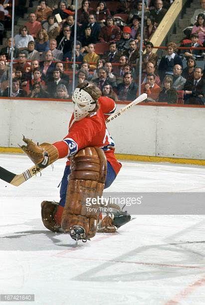 hockey-montreal-canadiens-goalie-wayne-thomas-30-in-action-vs-boston-picture-id167421640 (411×612)