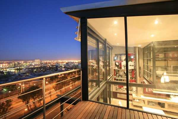 ECLIPSE - Holiday Accommodation in Green Point, Cape Town, South Africa