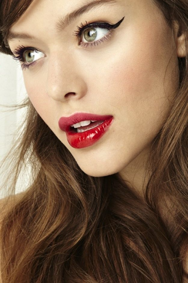 Go for two-toned lipstick. | 23 Ways To Up Your Makeup Game For New Year's Eve