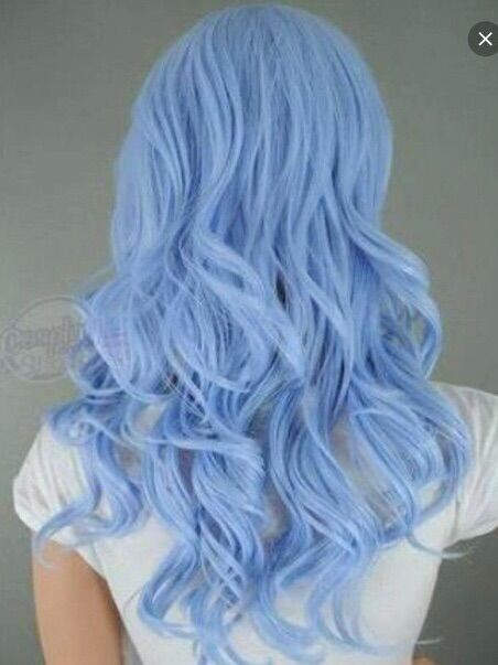Afbeelding via We Heart It #blue #curly #dyed #hair #pastel