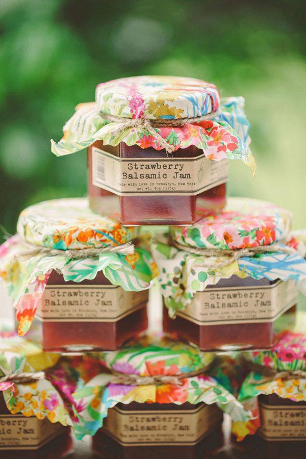 strawberry balsamic jam #weddingfavors  http://www.weddingchicks.com/2013/11/19/fabulously-funky-bridal-luncheon/
